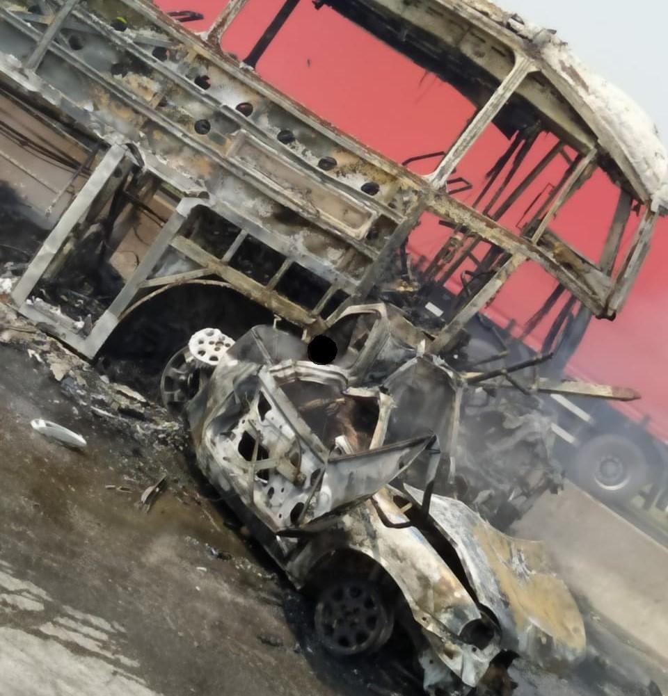 Seis presos morrem carbonizados em acidente de trânsito