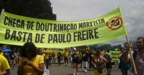 Gramsci, Paulo Freire e a batalha da linguagem